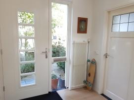 Entree kamer is op de begane grond naast de voordeur