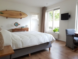 B&B kamer met kingsize Boxspring bed